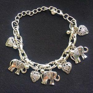 """Jewelry - NWT RETRO STYLE TRENDY ELEPHANT CHARM BRACELET 8"""""""